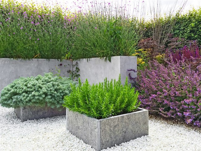 Raised Flower Beds - A Smart Option for Your Garden